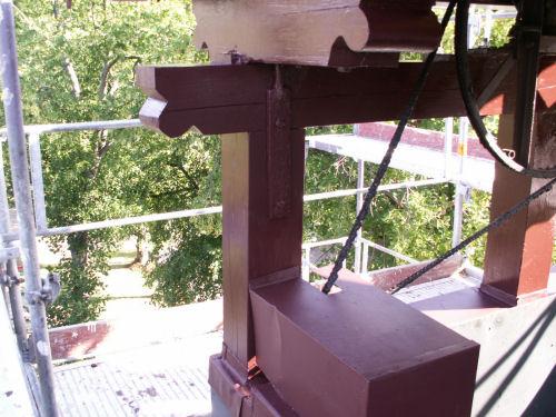 Neue Balken am Glockenstuhl