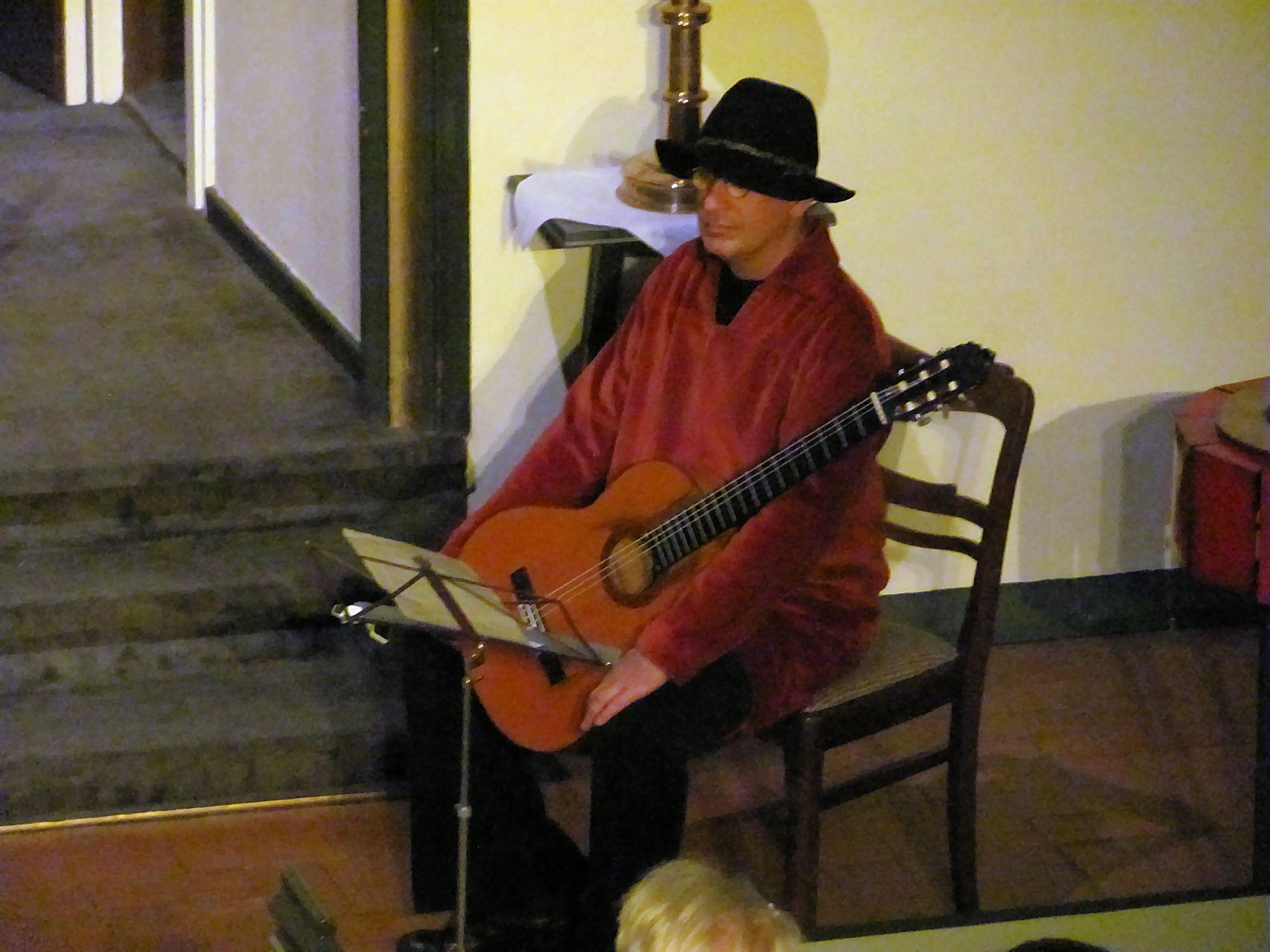 Gitarre: David Pampuch