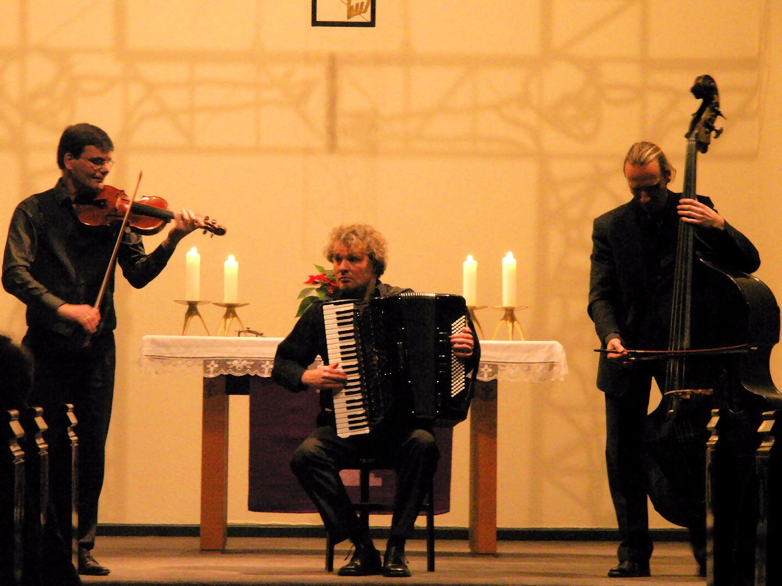 'Trio Total': Ingo Hirsekorn, Karsten Schnack, Wolfram Nerlich (v.l.)