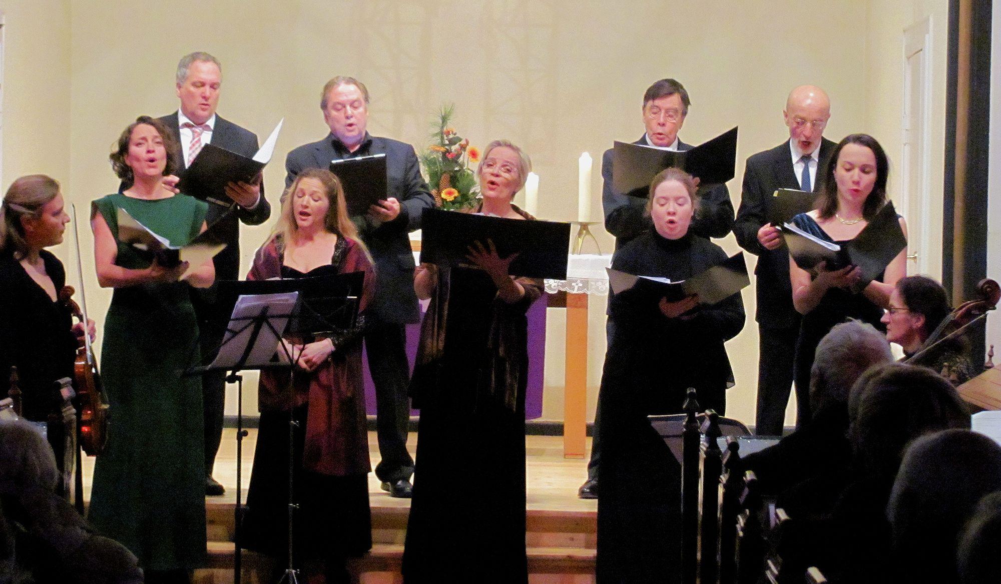 Weihnachts-Benefiz-Konzert mit Mitgliedern des Theaters Kiel