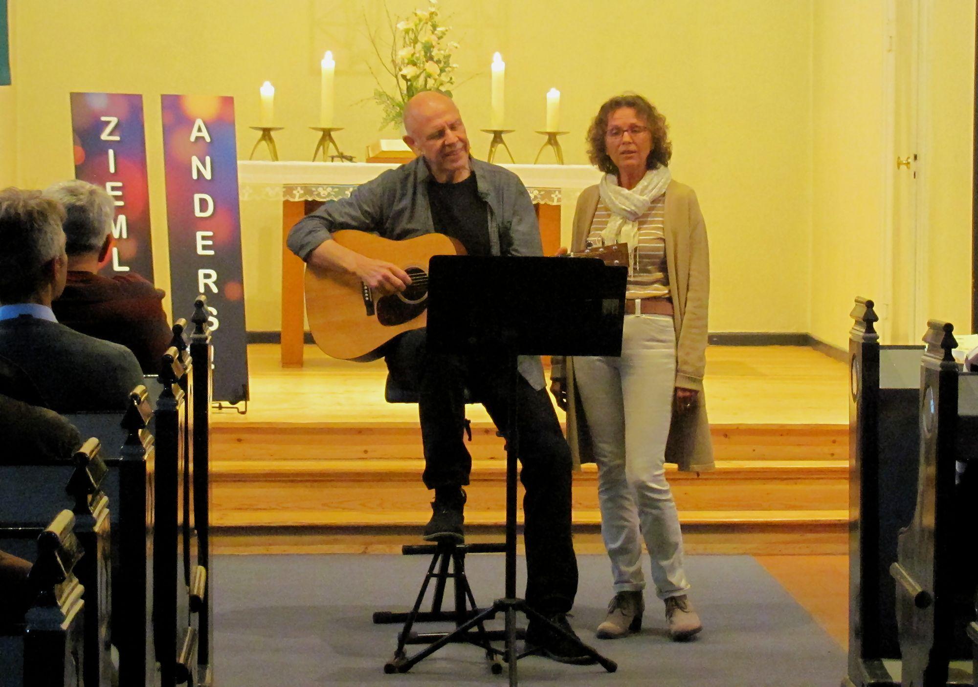 Duo 'Ziemlich Anders' (Norbert Zimmer, Cornelia Runge)